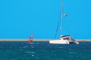 Wind- und Kitesurfen am Naturschutzgebiet Laghetti di Marinello
