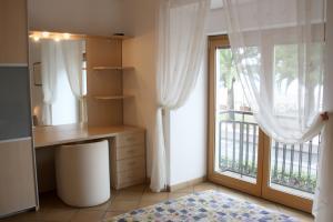 Schlafzimmer der Ferienwohnung mit Meerblick