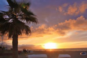 Sonnenuntergang am Strand direkt vor der Tür