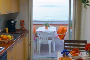 Ausblick von der Küche auf die Äolischen Inseln