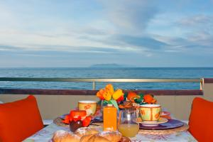 Herrlicher Meerblick vom Balkon auf die Äolischen Inseln