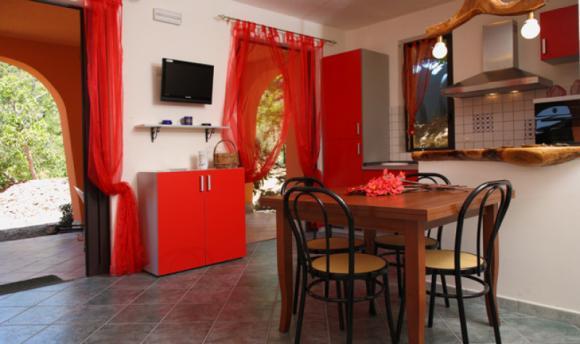 Wohnküche und Terrasse direkt vor der Tür