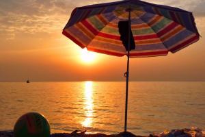Sonnenuntergang am Strand von Calderá