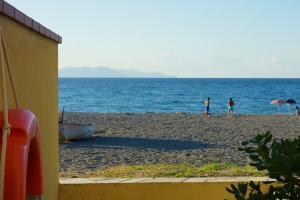 Der Aufgang zum Strand der Ferienwohnung in Sizilien