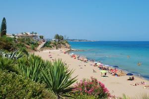 Der Strand befindet sich nur 300 m vom Ferienhaus entfernt