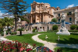 Das Ferienhaus befindet sich 7 km von Kathedrale in Noto entfernt