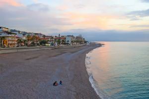 Strand von Capo d'Orlando in Sizilien