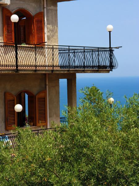 Balkon der Ferienwohnung mit Meerblick